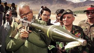 ભારતના સરંક્ષણમંત્રી જર્યોજ ફર્નાન્ડીઝ કારગીલ યુદ્ધ સમયે