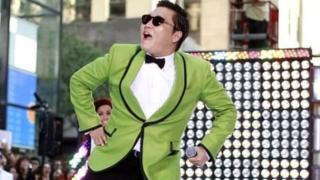 Keinginan untuk mempelajari lirik lagu populer K-Pop seperti Gangnam Style melonjakkan ketenaran bahasa Korea.
