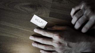 কেনিয়ায় আত্মহত্যা থেকে বিরত করতে অনেক সহায়তা গ্রুপ তৈরি হয়েছে