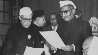 પૂર્વ વડા પ્રધાન નેહરુ અને પ્રથમ રાષ્ટ્રપતિ રાજેન્દ્ર પ્રસાદ