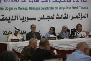 شورای دموکراتیک سوریه، بازوی سیاسی نیروهای دموکراتیک سوریه برای اولین بار با دولت این کشور گفتگو می کند