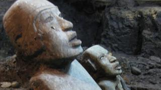 Estatua recuperada en Teotihuacán