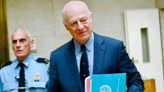 UN special envoy Staffan de Mistura arrives in Geneva ahead of the start of the Syria peace talks (16 May 2017)