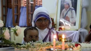 ভারতে ধর্মান্তরকরণের অভিযোগ উঠেছে মাদার টেরেসার মিশনারিজ অব চ্যারিটির বিরুদ্ধেও