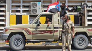 مقاتلين في عدن