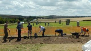 Excavation at Avebury stone circle