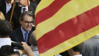 Catalan leader Artur Mas outside court in Barcelona (15 Oct)