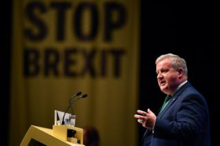 SNP calls for Brexit extension and general election