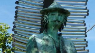 Una estatua de Farinet