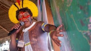 அமேசான் காடு: நிலத்தைக் காக்க ஒன்றிணைந்த எதிரிகள்