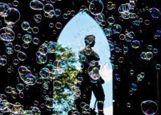 Princes Street bubbles