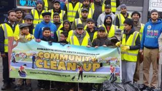 Muslims for Humanity and Ahmadiyya Muslim Association volunteers litter-picking in Huddersfield