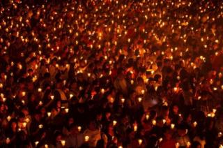 Perayaan malam Natal di Surabaya.