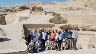 Equipe de arqueólogos brasileiros no Egito