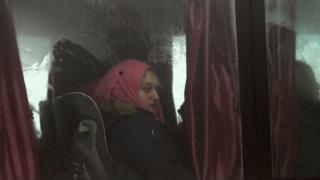 الحرب في سوريا: بدء عمليات الإجلاء في أربع بلدات محاصرة