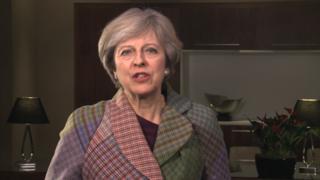 """梅首相回顧了英中關係的近期發展,認為目前的兩國關係""""比以往任何時候都要緊密""""。"""
