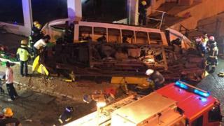 Tram overturned in Lisbon