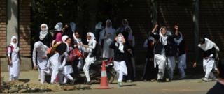 कश्मीर में पत्थरबाज़ी