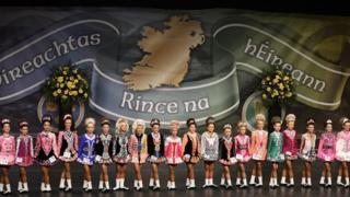 Line of irish dancers