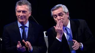 Mauricio Macri e Alberto Fernández após o último debate, em 20 de outubro
