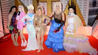 in_pictures Sum Ting Wong, Scaredy Kat, Blu Hydrangea, Cheryl Hole, Crystal and Gothy Kendoll of RuPaul's Drag Race