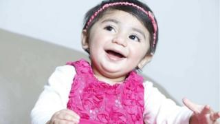 Uma foto de Zainab Mughal sorrindo