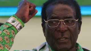 روبرت موغابي: من قائد تحرير إلى طاغية