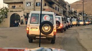 ICRC, Syrian Arab Red Crescent and UN aid delivery to besieged town in Syria (25 September 2016)