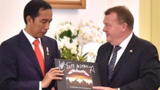 Metallica Master of Puppets diterima Jokowi.