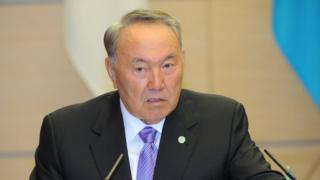 Qozog'iston Prezidenti Nursulton Nazarboev