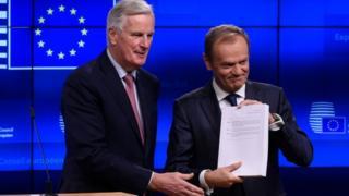 EU Brexit chief negotiator Michel Barnier (L) with European Council President Donald Tusk