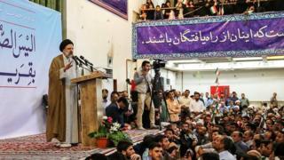 ابراهیم رئیسی در جمع هوادارانش در مشهد