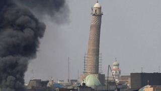 এক বিস্ফোরণে ইরাকের আল-নুরি মসজিদটি বিধ্বস্ত হয়ে যায়