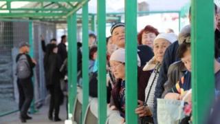 Кыргыз-казак чек арасында кезек күткөндөр