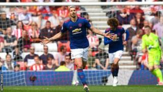 Zlatan Ibrahimovic yinjirije Man Utd ibitsindo 28 mw'ihiganwa riheruka
