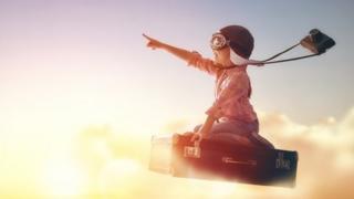 طفل يطير