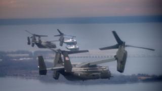 Вертолет президента Трампа и сопровождающие воздушные суда