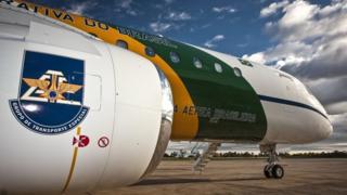 Imagem de avião da Embraer