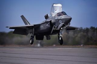 F-35不易被敵方雷達捕捉,還具備能探知彈道導彈發射的高性能雷達。