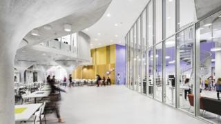 Imagen de la reforma realizada por Lahdelma & Mahlamäki Architects en la escuela Kastelli.