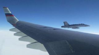 Российский и швейцарский самолеты