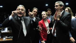 Em momento tenso do julgamento, Renan Calheiros comparou Senado a hospício