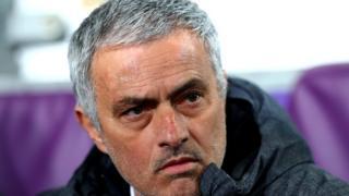 Le visage préoccupé de José Mourinho lors du match de 1/4 de finale de la ligue européenne contre Anderlecht