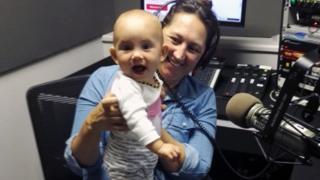 Claire Bell y su hija, Fintry