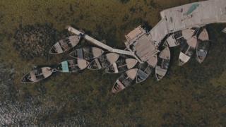 Лодки у причала на Соловках