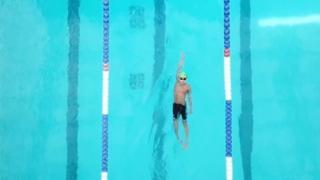 10-летний пловец Кларк Кент