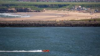 Tynemouth RNLI inshore lifeboat speeds to South Shields ferry landing with two casualties on board