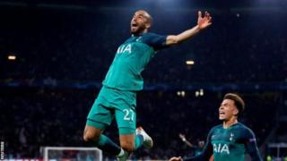 Lucas Moura yatsinze ibitego bitatu bya Tottenham mu gice cya kabiri cy'umukino, ayifasha kugera ku mukino wa nyuma wa Champions League y'uyu mwaka