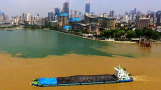 The Yangtze (brown) and Han rivers (blue) merge in Wuhan