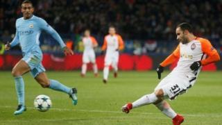 Shakhtar Donetsk lokacin da ta zura kwallo a ragar Manchester City